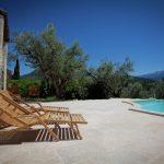 Villa Les Dentelles - ligbedden-zwembad
