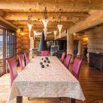 Chalet Wooden Residence - eettafel